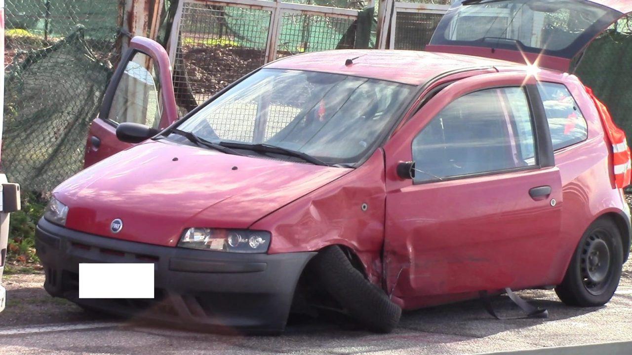 Busto Garolfo, scontro tra auto