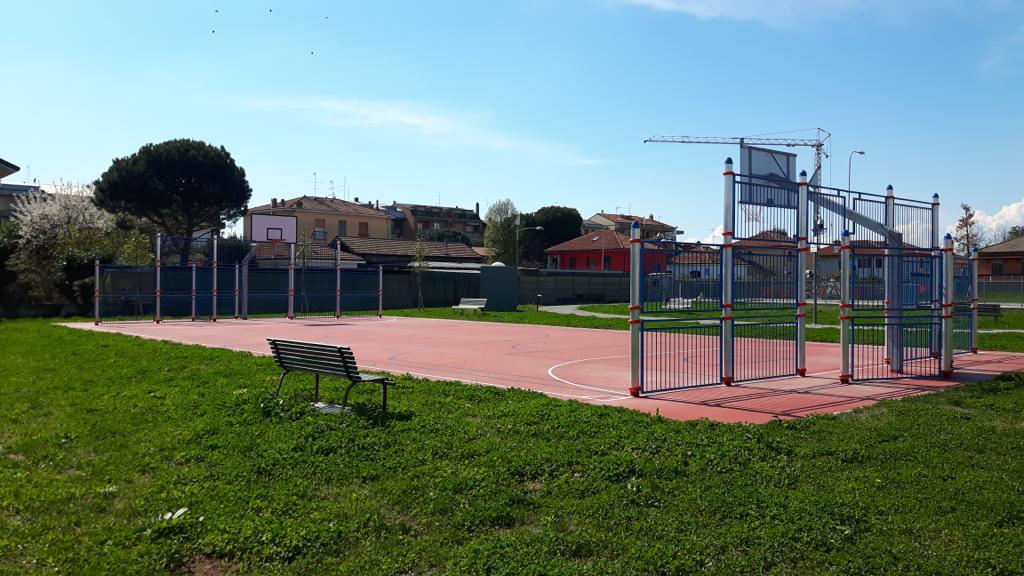 Parabiago, nuovo parco giochi in via Pindemonte