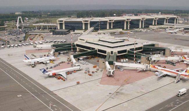Aeroporto di Linate chiuso: a Malpensa ritardi a gogo