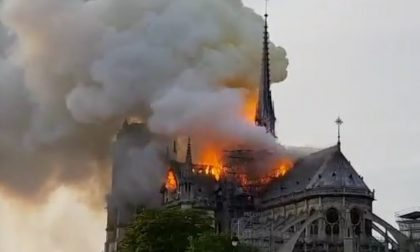 Notre Dame brucia,  siamo tutti più poveri