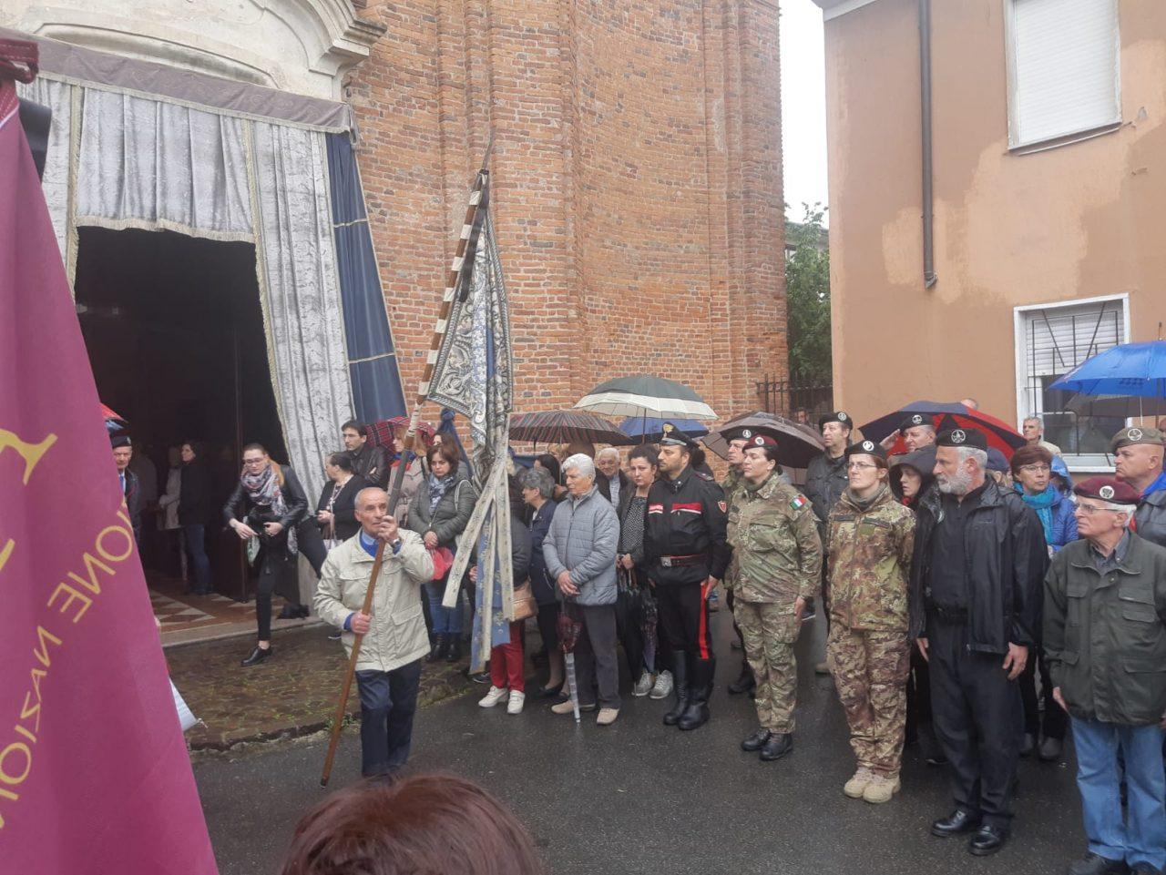 folla ai funerali