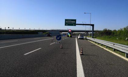Schianto in autostrada, muore un ragazzo