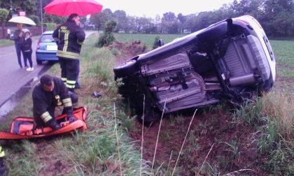 Incidente in rotonda a Inveruno - LE FOTO