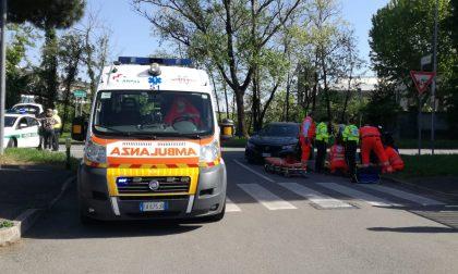 Incidente tra auto e moto a Rho: ferito il motociclista