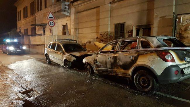 Robecchetto, auto a fuoco in via Arese