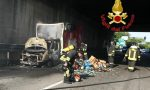 Tangenziale ovest, furgone in fiamme a Cusago. FOTO