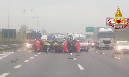 Traffico bloccato sulla A9 per un incidente tra Uboldo e Saronno FOTO