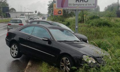 Due auto finite nel fossato: quattro i feriti