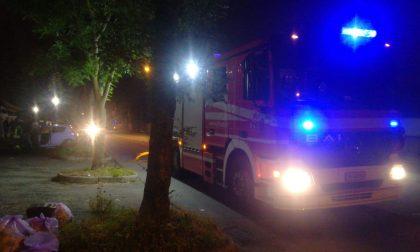 Auto a fuoco, paura in via Ciro Menotti