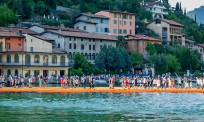 The Floating Piers: Christo e il lago d'Iseo, una storia d'amore finita  male