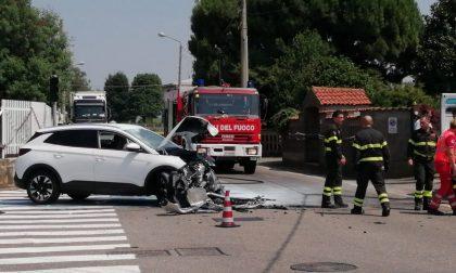 Incidente fra auto e un camioncino a Turate, Vigili del Fuoco e ambulanze sul posto
