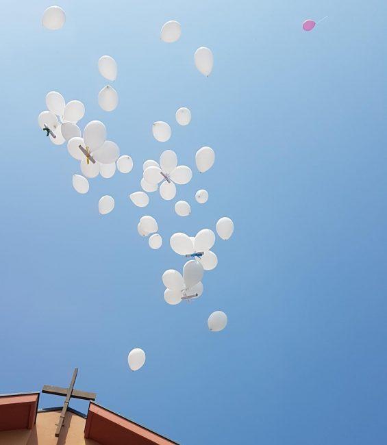 Addio alla piccola Lyza, a Solbiate vola il saluto dei compagni di scuola