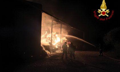 Incendio distrugge il fienile di cascina Pierida di Casorezzo