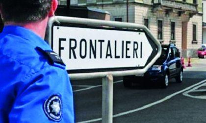 """Frontalieri, la Svizzera taglia gli assegni familiari. Il Pd: """"Vergognoso"""""""