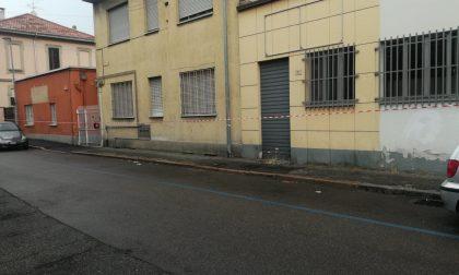 Posteggi per gli amanti del lotto in via Castelli Fiorenza