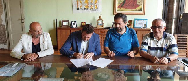 Castano Primo, firma protocollo sindaco e sindacati per tutela lavoratori