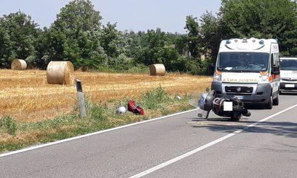 Cade in moto per evitare incidente: 45enne in ospedale - LE FOTO