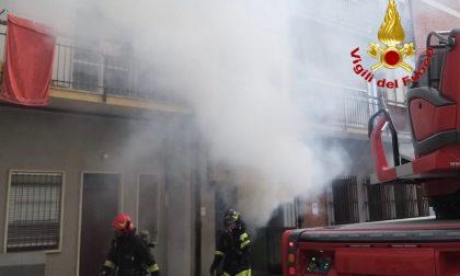Incendio in un condominio nel comune di Venegono Inferiore FOTO