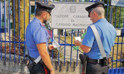 Carabiniere ucciso: fiori e messaggi fuori dalla caserma