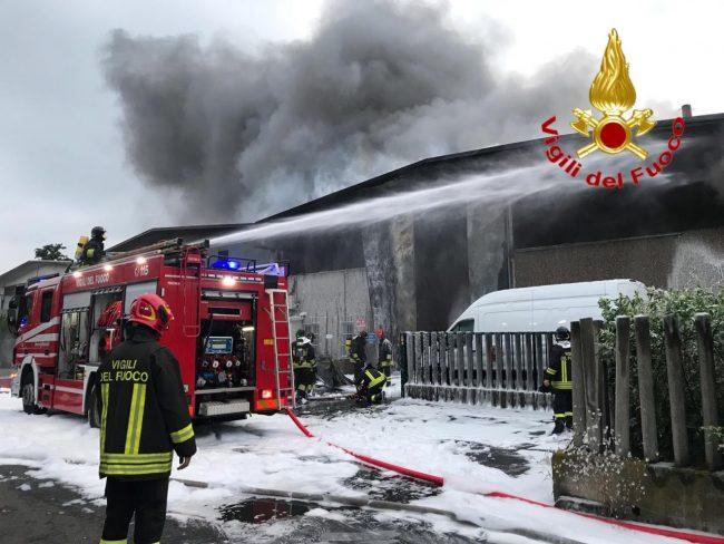 Incendi, stoccaggio e traffico rifiuti: report in Regione