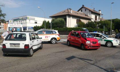 Schianto in viale Sabotino: auto si ribalta