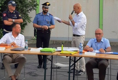 consiglio comunale a ceriano laghetto alla stazione dello spaccio, elogio ai carabinieri