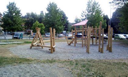 Nuovo gioco al Parco di via Toti a Saronno