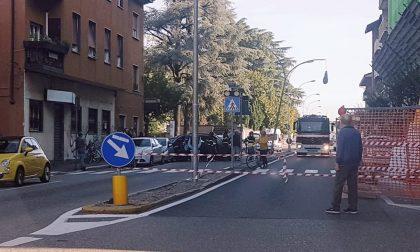 Parabiago, incidente in viale Marconi: strada chiusa al traffico