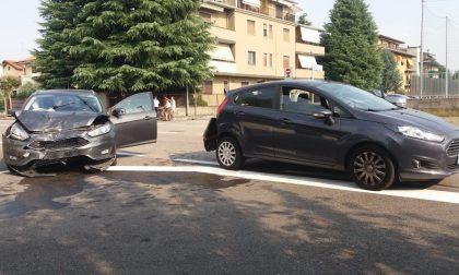 Incidente in via Minghetti: due persone coinvolte - LE FOTO
