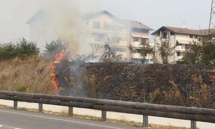 Tre incendi in meno di un chilometro a Legnano FOTO