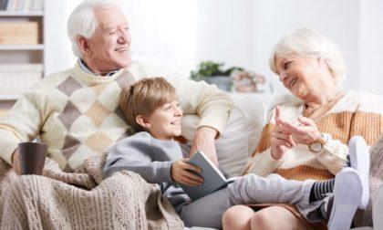 """Oggi è la festa dei nonni: frasi da dedicare per fare gli auguri ai nostri """"angeli"""""""
