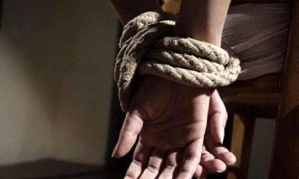 Aveva sequestrato l'ex moglie chiudendola nel bagagliaio e tentato poi il suicidio, arrestato