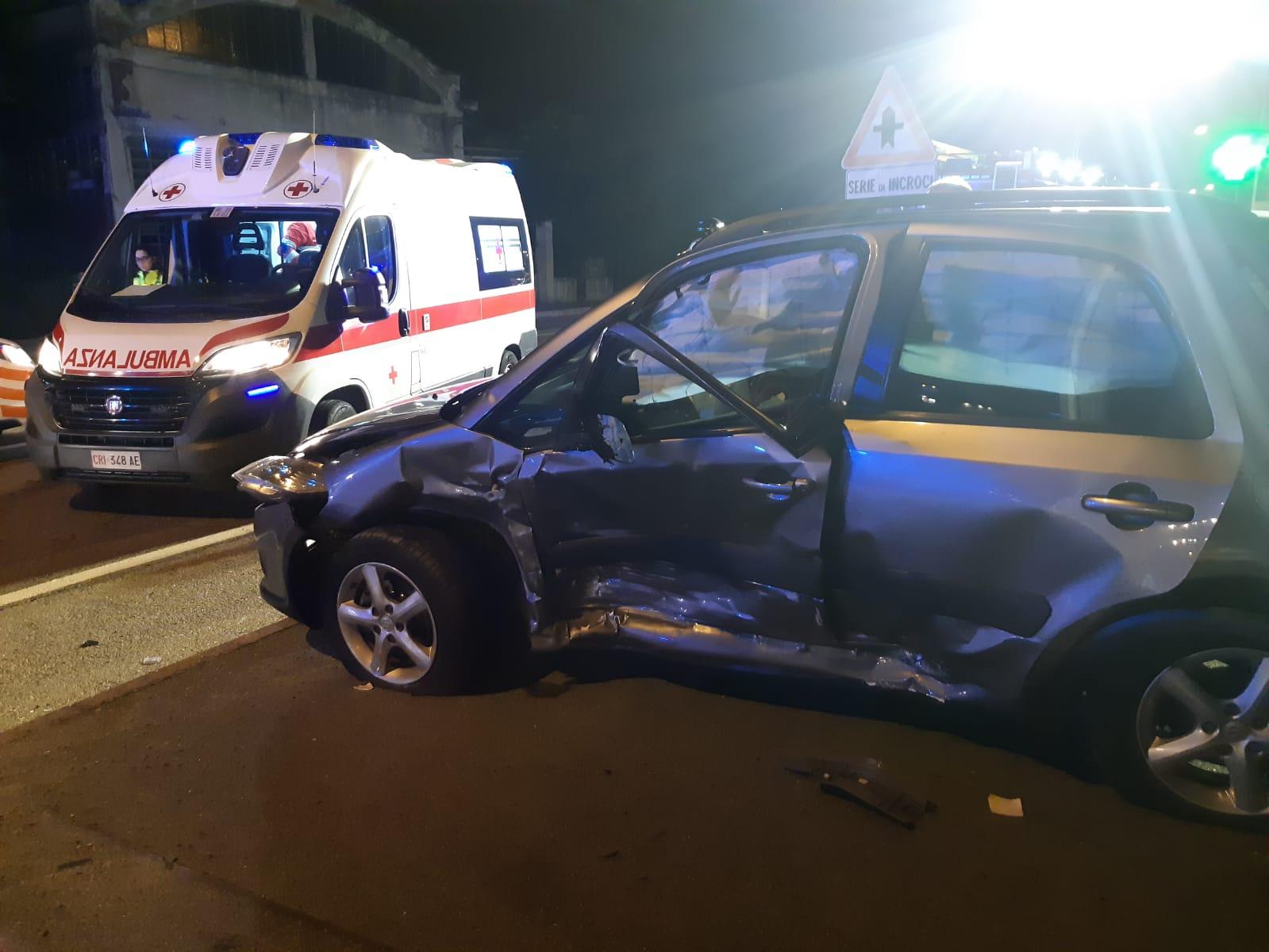 Incidente sul sempione tra una volante dei carabinieri e un