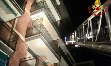 Incendio della palazzina a Busto, 14 appartamenti inagibili