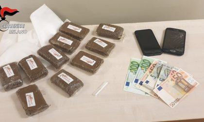 Arrestati finti imbianchini: un chilo di droga nel furgoncino FOTO