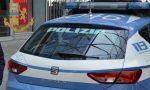 Cerca di scassinare l'auto e minaccia con una bottiglia: arrestato