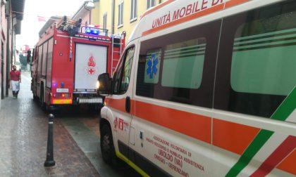 Non risponde in casa: intervengono pompieri e ambulanza FOTO