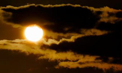 A Ognissanti il sole fa capolino, nel weekend invece nuvole | Previsioni meteo