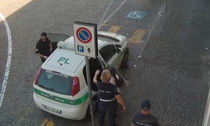 Doveva andare in carcere: beccata dalla Polizia locale di Castano - FOTO