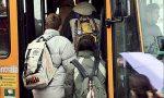 15enne palpeggiata sul bus, Carabinieri sulle tracce del molestatore