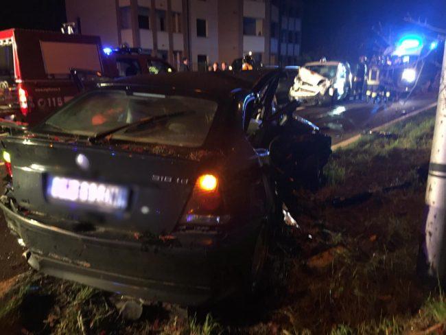 Incidente a catena in via Aldo Moro a Fagnano, auto distrutte FOTO