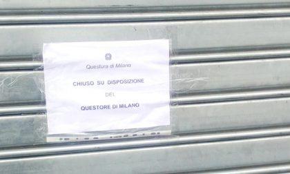 Munizioni, droga e bombe carta nel bar: chiuso per 15 giorni