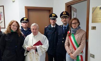 Sindaco dona targa ai carabinieri per i 20 anni della stazione