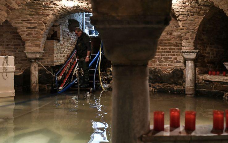 Venezia in ginocchio, a Tradate banchetto della Lega Giovani - Settegiorni