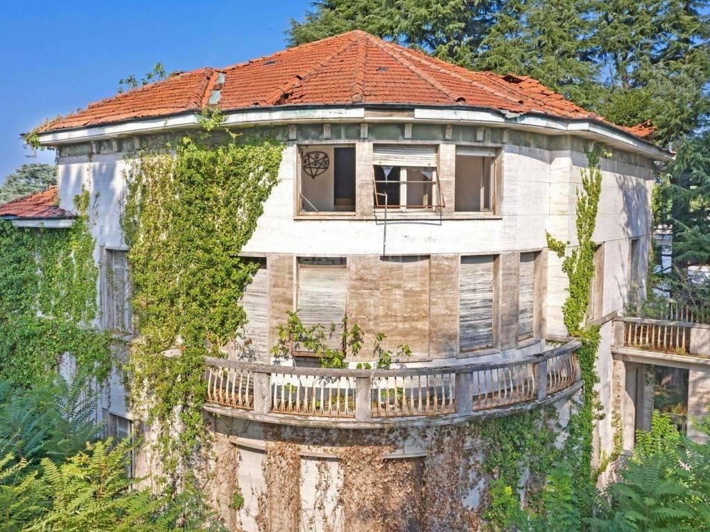 villa satanica in vendita a fagnano