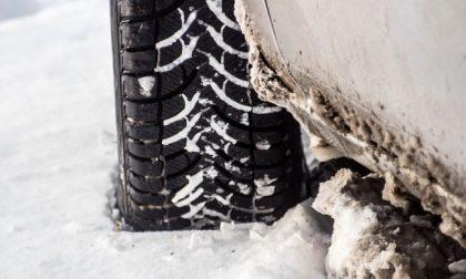 Scatta l'obbligo catene a bordo o pneumatici invernali: ecco in quali tratti del nostro territorio