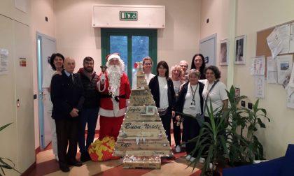 Il Babbo Natale della contrada Legnarello al Centro Don Gnocchi FOTO