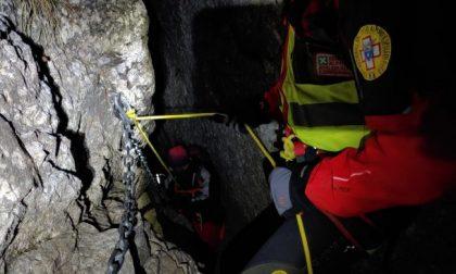 Escursionisti salvati di notte dal Soccorso Alpino: uno è di Saronno FOTO