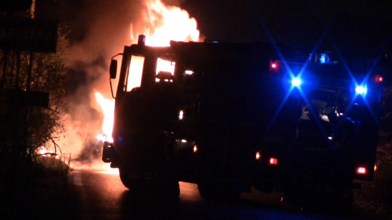 Rescaldina, Gerenzano: auto in fiamme