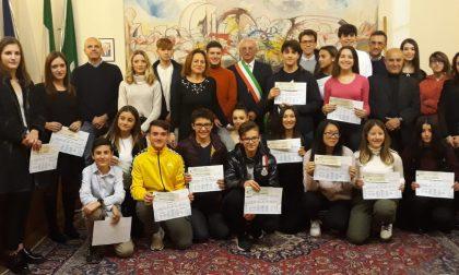Robecchetto, 23 studenti meritevoli premiati con borse di studio